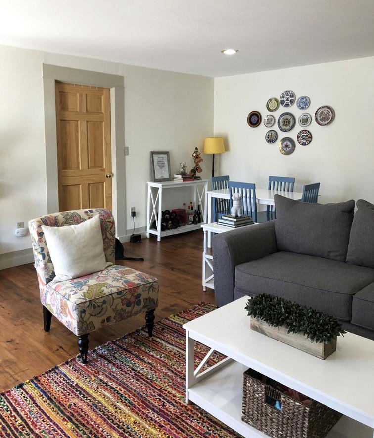 Living Room3resiz.jpg