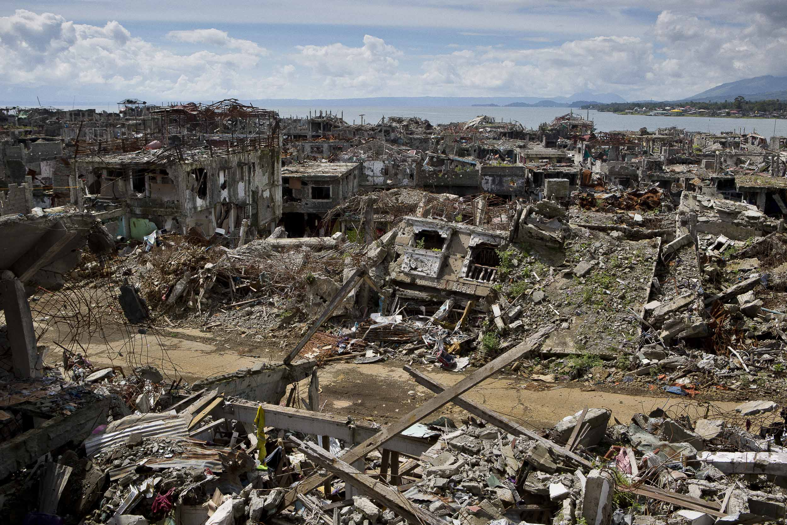 The view from the Jameo Dansalan mosque in Marawi, Philipines shows the severity of the devastation inflicted by the 5 month siege that engulfed the city.