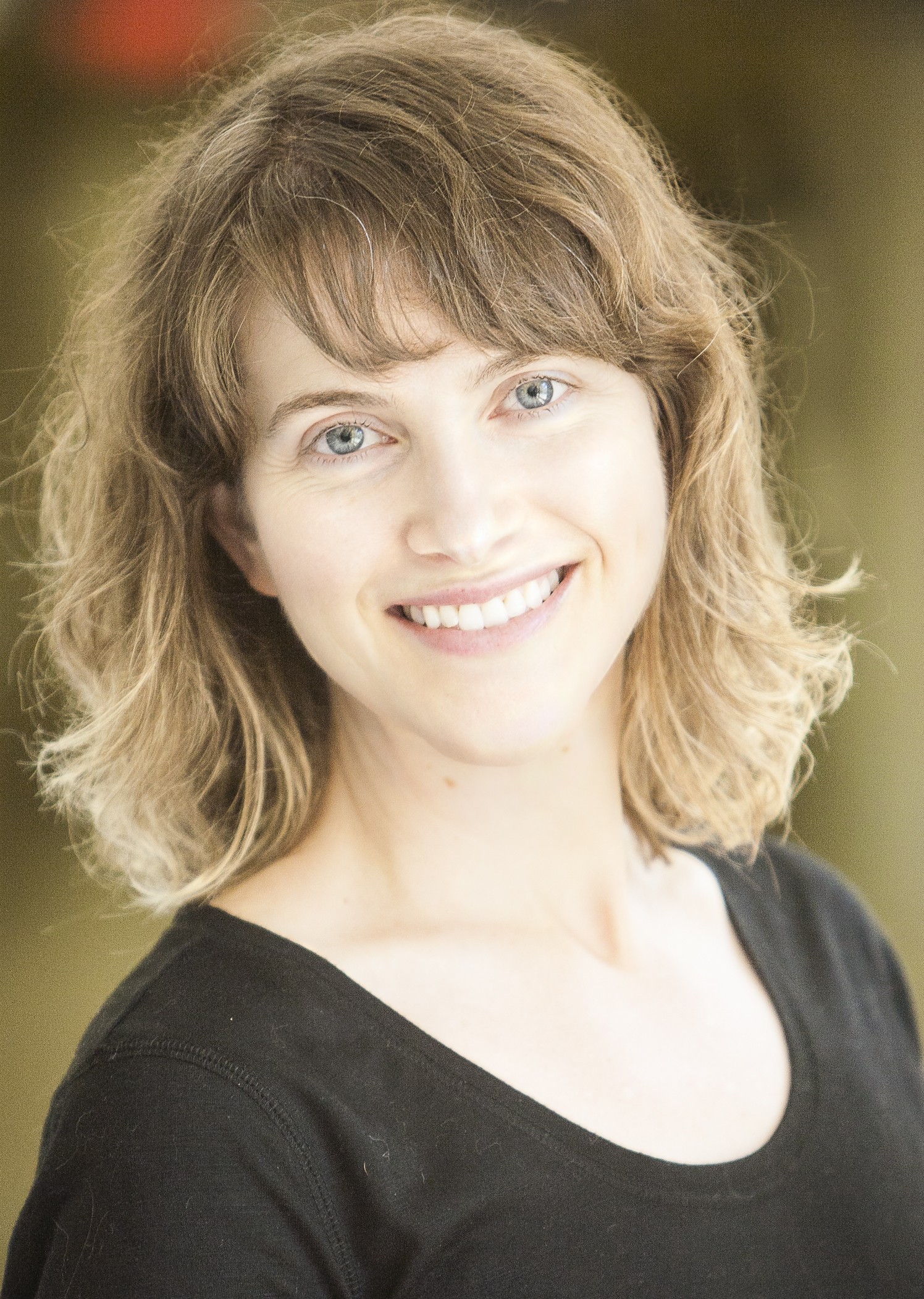 Julie Cunningham_headshot.jpg