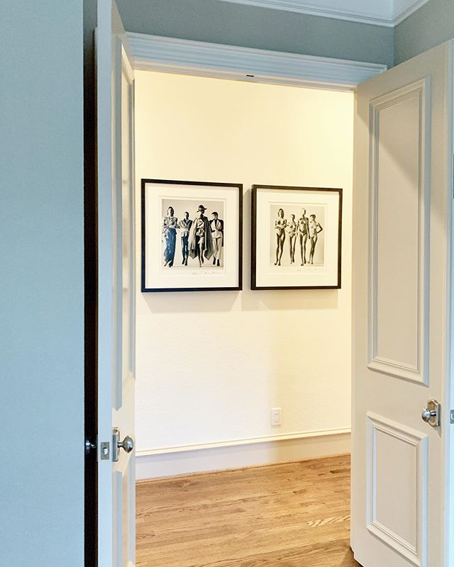 """""""My job as a portrait photographer is to seduce, amuse, and entertain."""" - Helmut Newton 🔲🔲 • We just installed Newton's """"Sie Kommen (Dressed), 1981"""" & """"Sie Kommen (Nude), 1981"""" in our client's home here in Dallas! The photographs are Limited Edition hand-signed & copyrighted Vintage Silver Gelatin Prints. We're so grateful to have been connected to Newton's work via @thetylershields & @provocateurgallery. #helmutnewton #samuellynnegalleries #tylershields #centaurinteriors"""