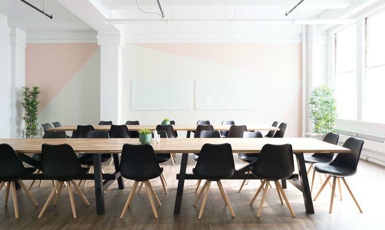The vision of Women Entrepreneur: to help women