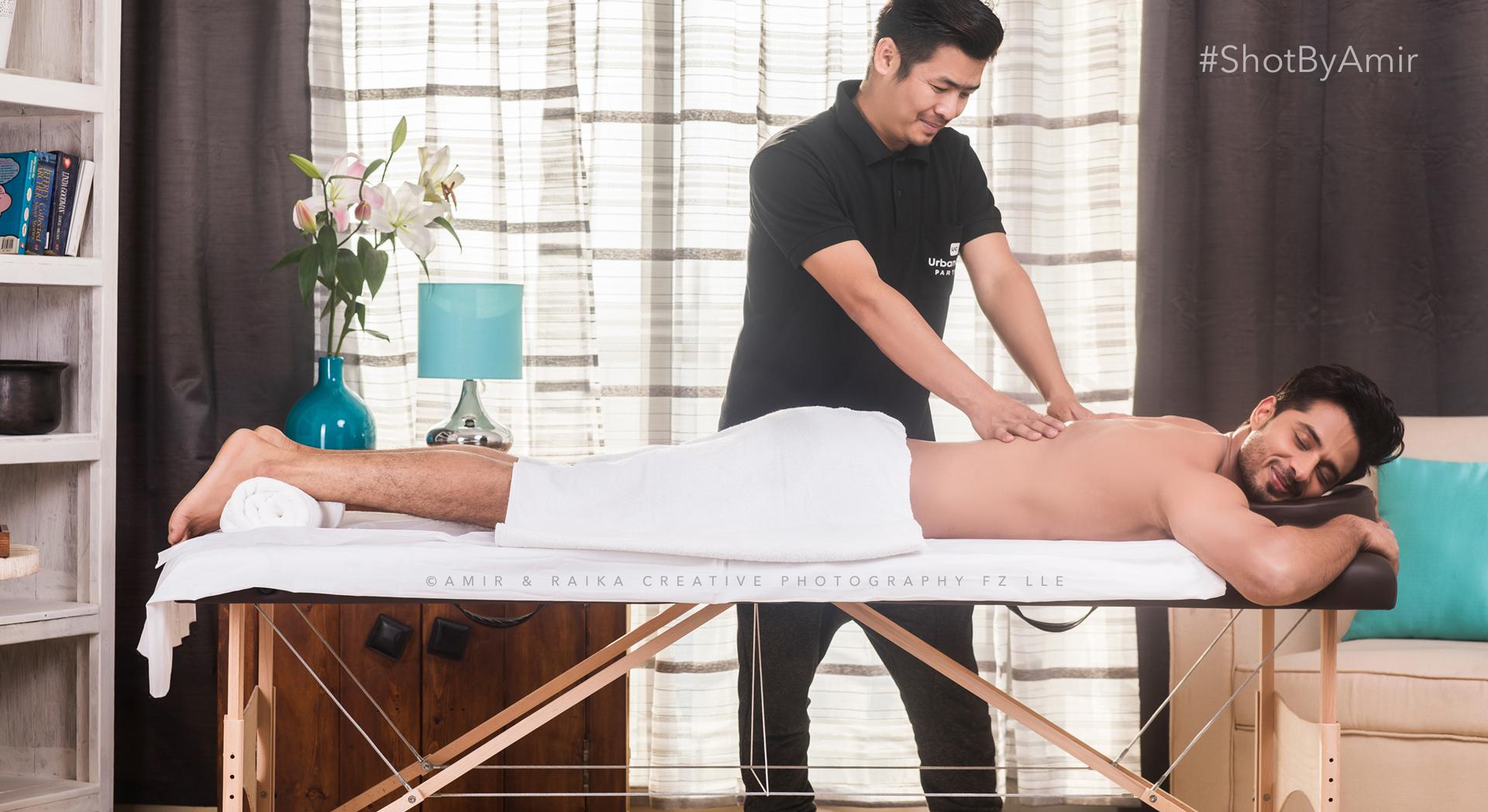 Massage for Men at Home Establishing Shot Model: Vinay Baliyan & UrbanClap Pro |Photograher: Amir Abbasi |Makeup: Govind Gupta