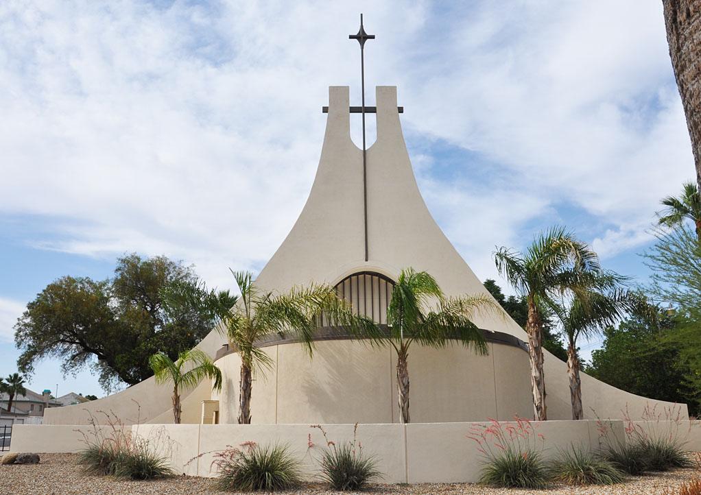 roadside_architecture_church_arizona.jpg