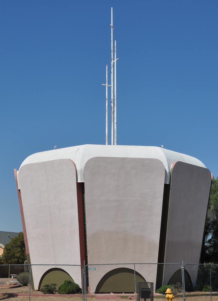 roadside_architecture_church_arizona3.jpg