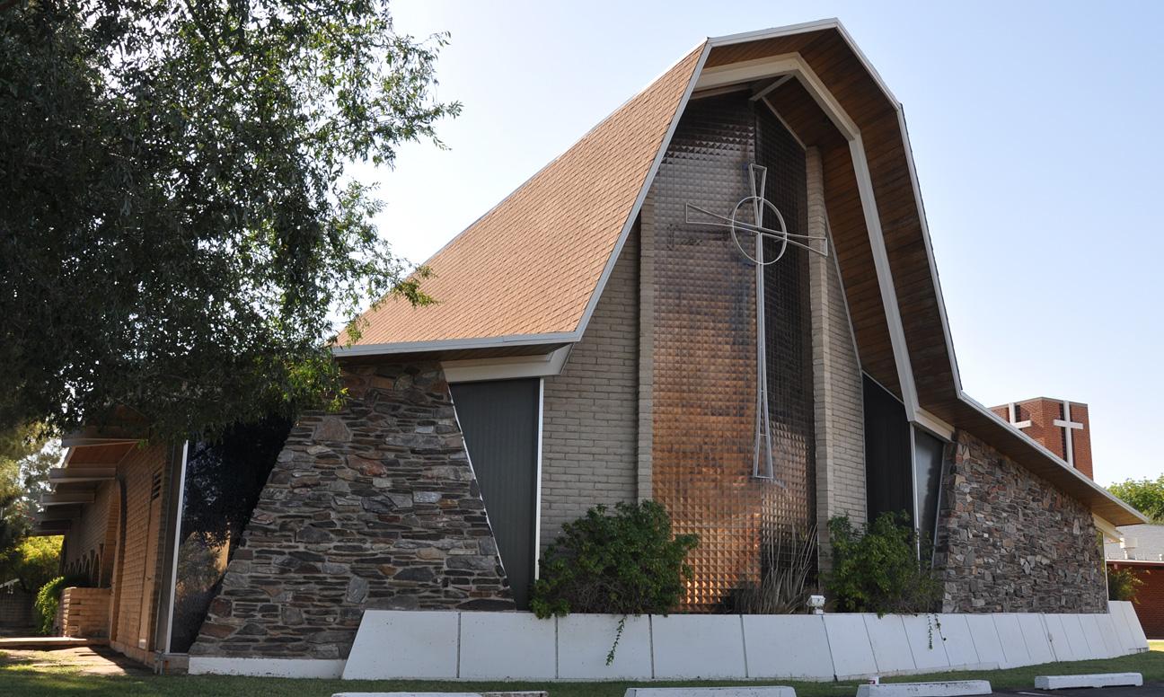 roadside_architecture_church_arizona4.jpg