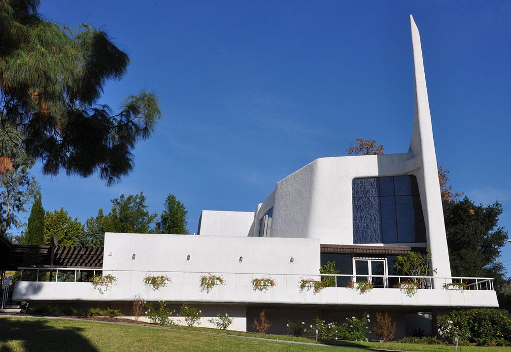 roadside_architecture_church_california_3.jpg