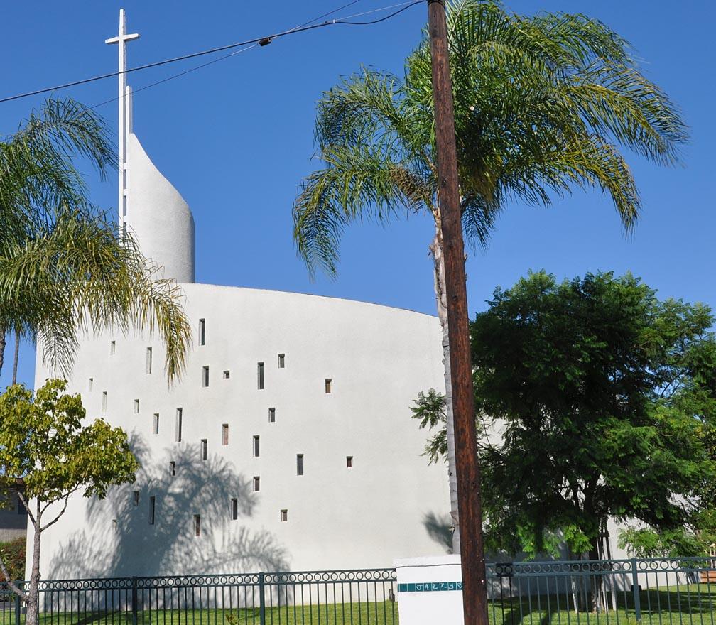 roadside_architecture_church_california_5.jpg