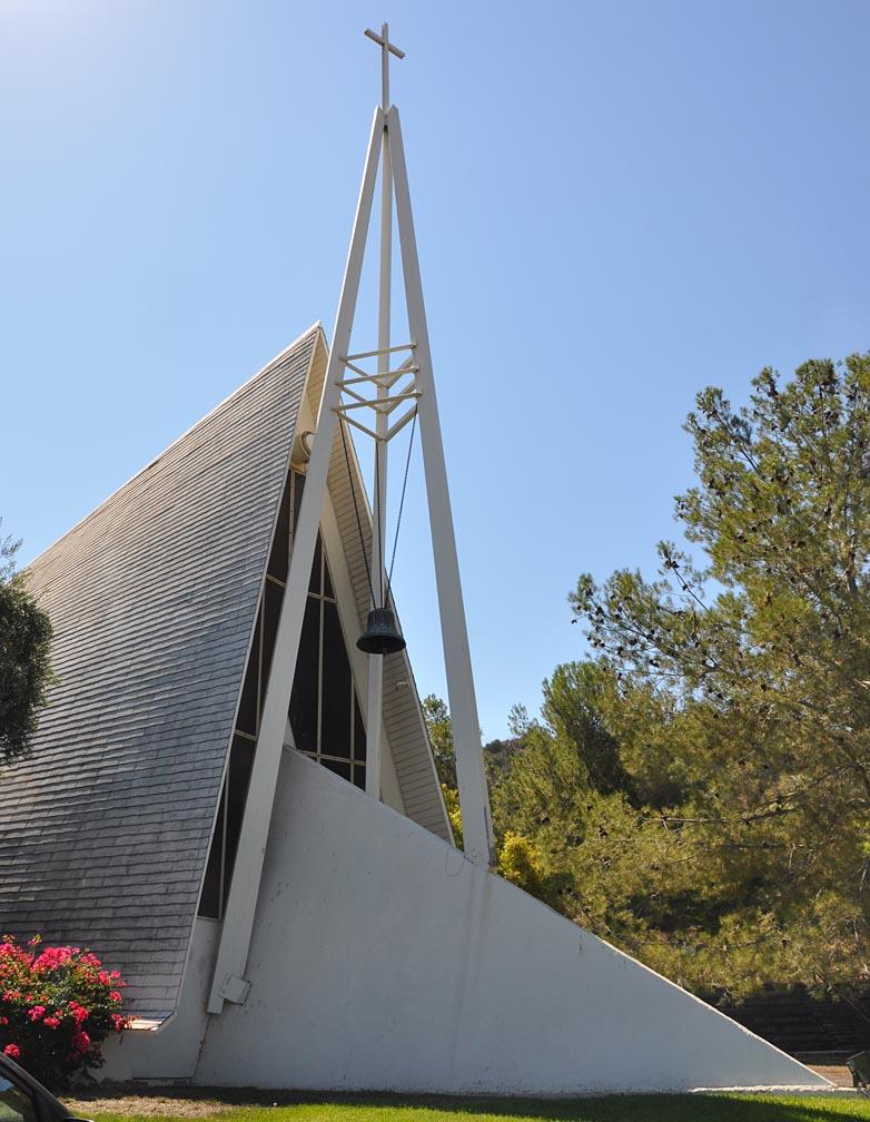 roadside_architecture_church_california.jpg