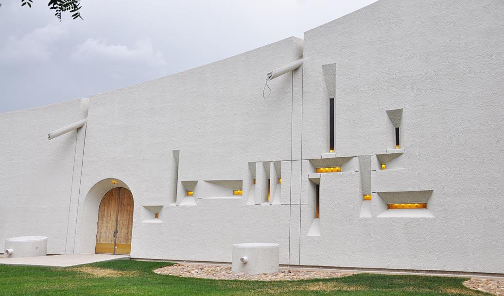 roadside_architecture_church_denver.jpg