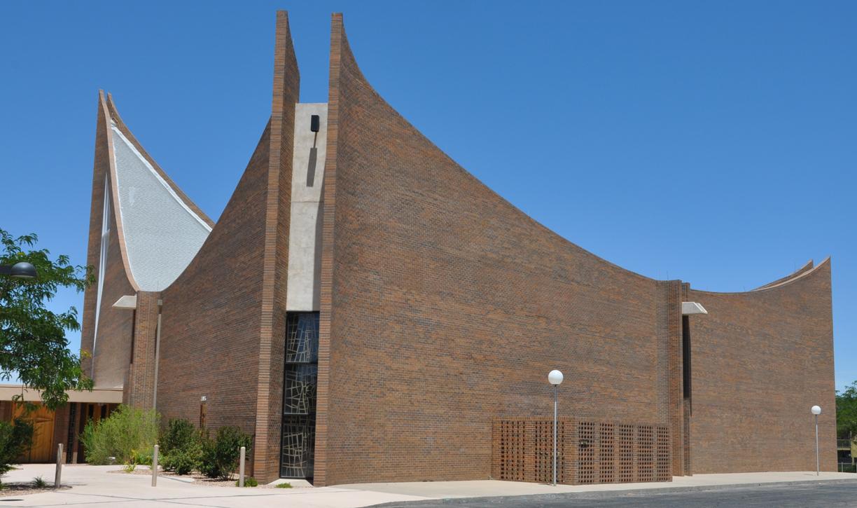 roadside_architecture_church_new_mexico_1.jpg