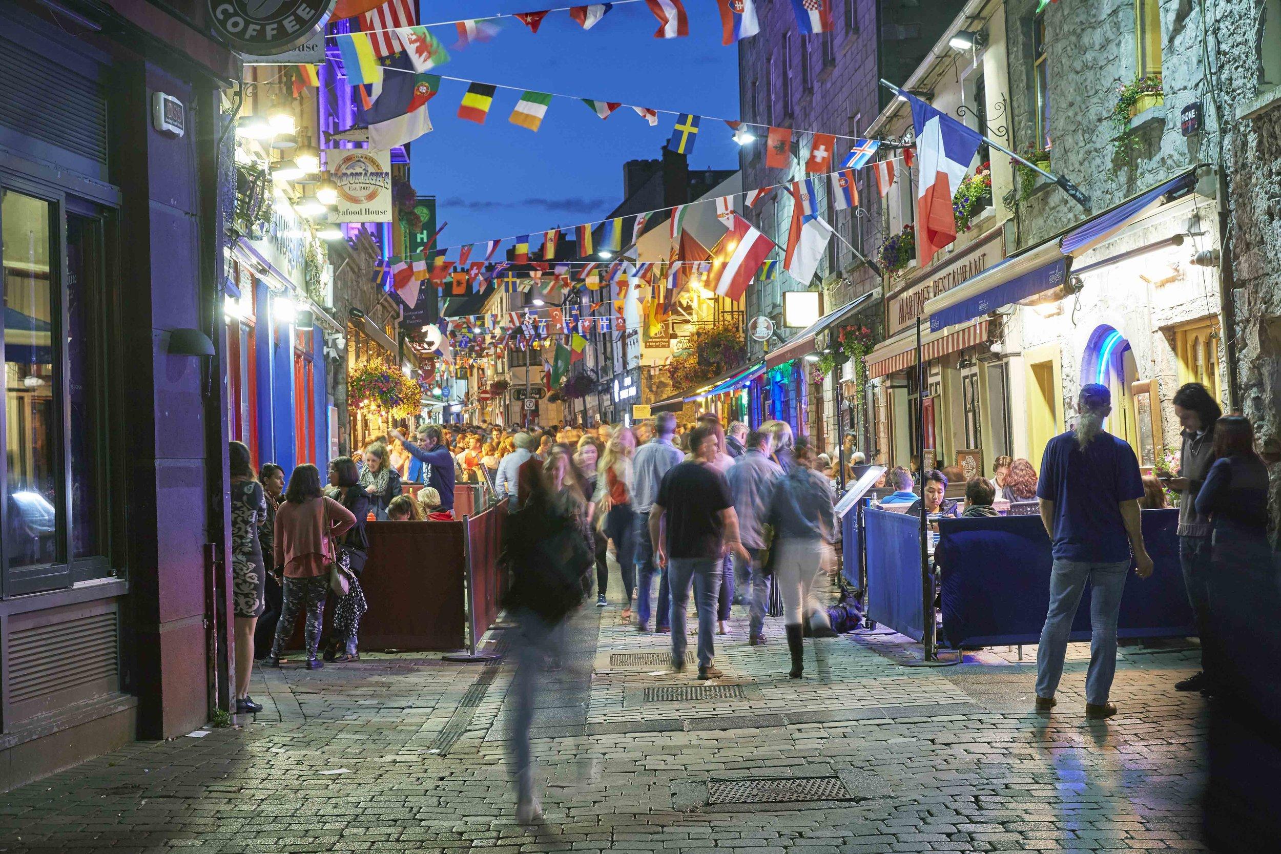 Galway_nightime.jpg