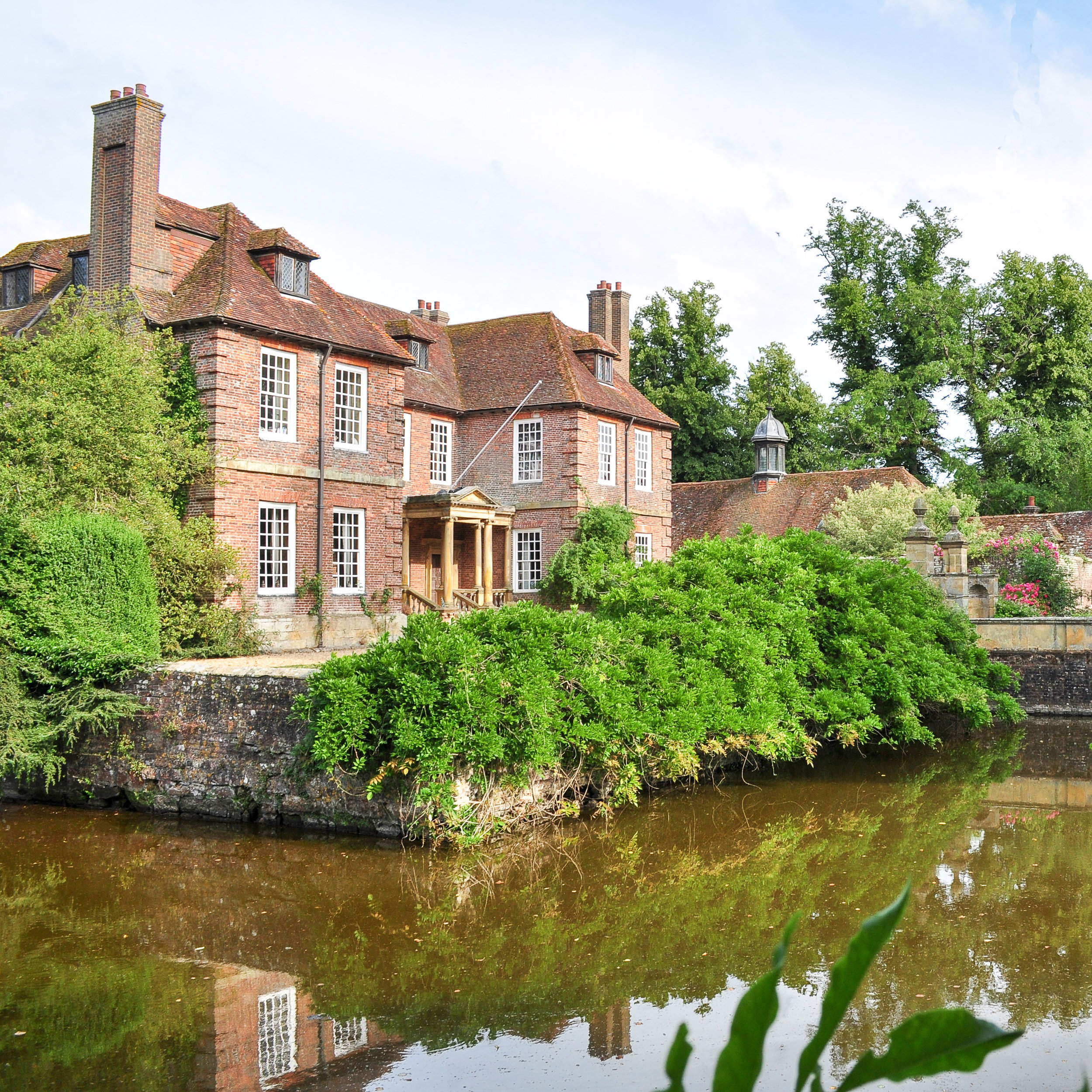 Groombridge Place Gardens – Manor House. (Grade 1 Listed Building)  - A complete internal refurbishment project was undertaken which included new Mechanical, Heating & Plumbing systems and services, including design.