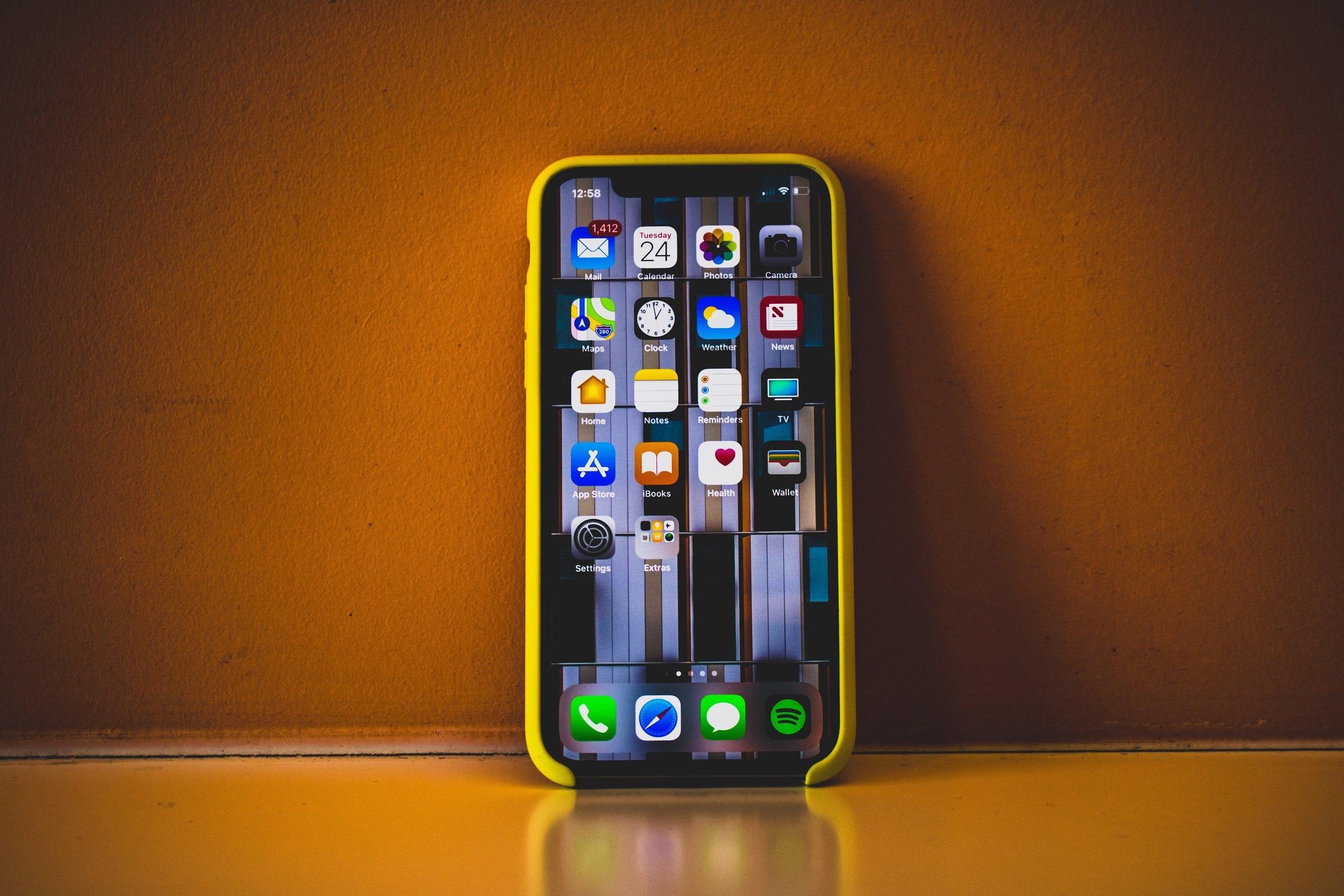 cell-phone-cellphone-cellular-telephone-1042143.jpg