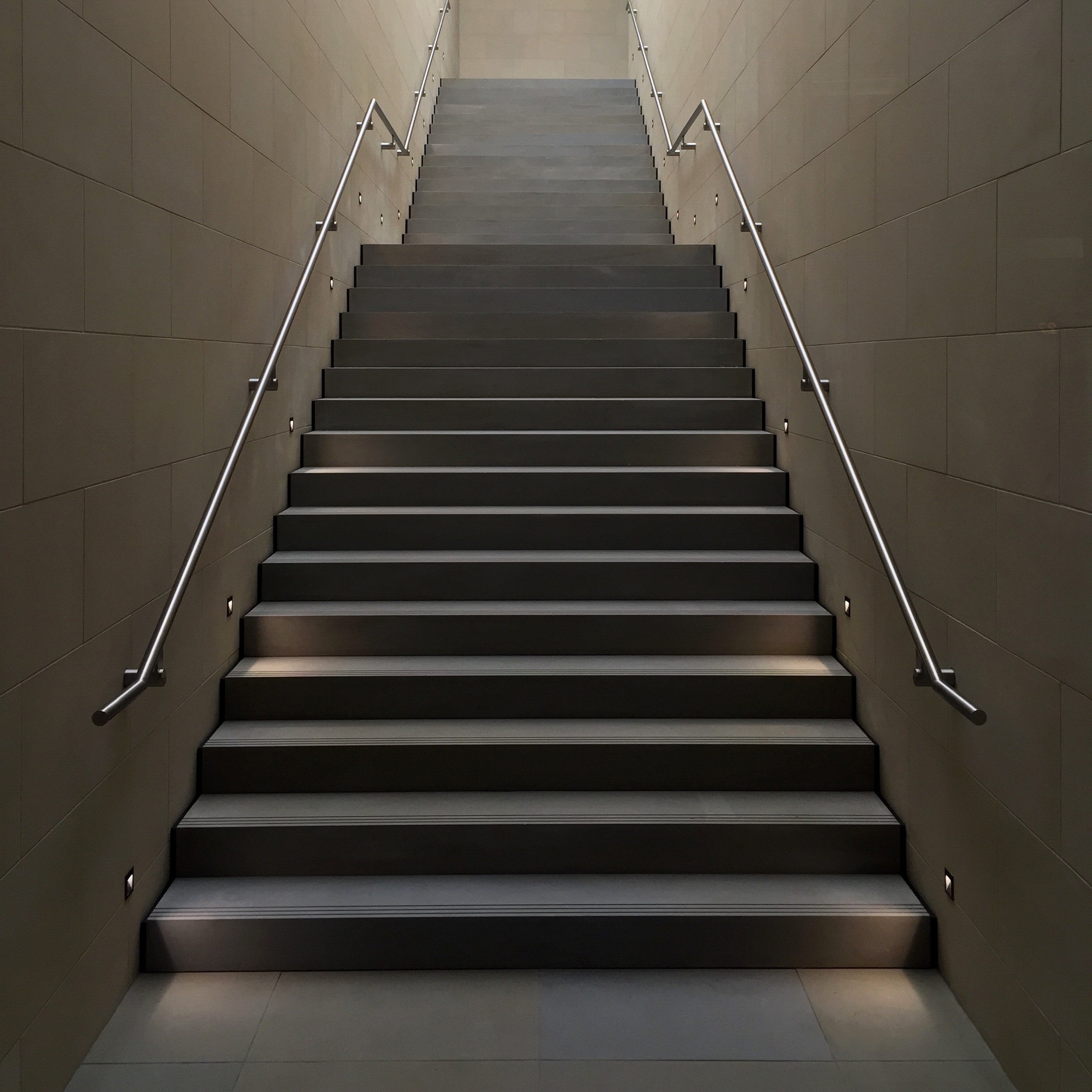 Lighting-for-stairs-recessed-wall-lights.jpg