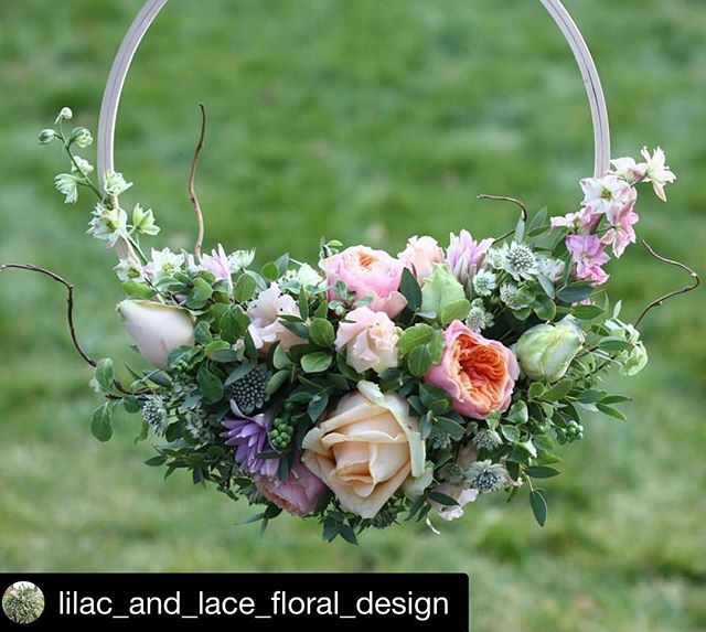 Just look at this! 😍those gorgeous pastel flowers of loveliness creeping up the side. Rebecca @lilac_and_lace_floral_design is just so SO talented . . #clientlove #client #floristry #weddingflowers #bridal #beckbromfl #orpington #pettswood #bromley #chelsfield #chislehurst . . #Repost @lilac_and_lace_floral_design with @get_repost ・・・ #MarchMeetTheMaker  Day 10 - Time to relax  Unlike many florists who are working their socks off today, I am very fortunate to be taking some time for me. We are down in Bournemouth with all of my husband's family celebrating my father in laws 60th and Mother's Day. Perhaps not the most relaxing, but definitely a lot of fun!  #lilac_and_lace_floral_design #kentflorist #kentweddingflorist #kentwedding #kentweddings #kentweddingflowers #orpingtonflorist #pettswoodflorist #beckbromfl #wowbromley #springblooms #springflowers #forflowerlovers #bridebook #bridalinspo #bridalinspiration #bridetobe #bridesmaidshoop @wedflowersmag #bridesmaidflowers