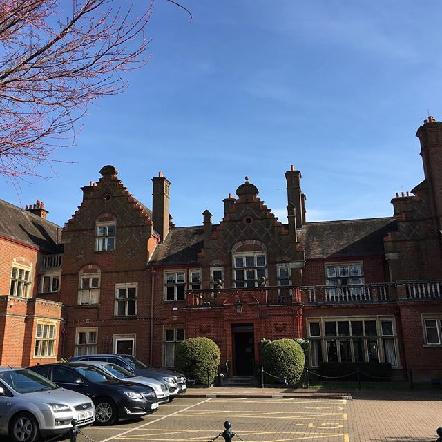 Last official day at this gorgeous spot for my Mums in Business course. Boo! That's ok - Jane just needs to invite me to be a guest speaker a few times 😜👍 . . . #bookkeeping #accounts #bookkeeper #accountant #virtualbookkeeper #startup #successfulwomen #entrepreneur #business #businesswoman #womeninbusiness #bromley #orpington #pettswood #beckbromfl #creativestartup #wahm #styleyourbrand #cloudaccounting #chelsfield #businessmum #quickbooks #mumlife #mumtrepreneur #mamatribeuk #workathomemum #thismumcan #smallbusiness #girlboss #freelance
