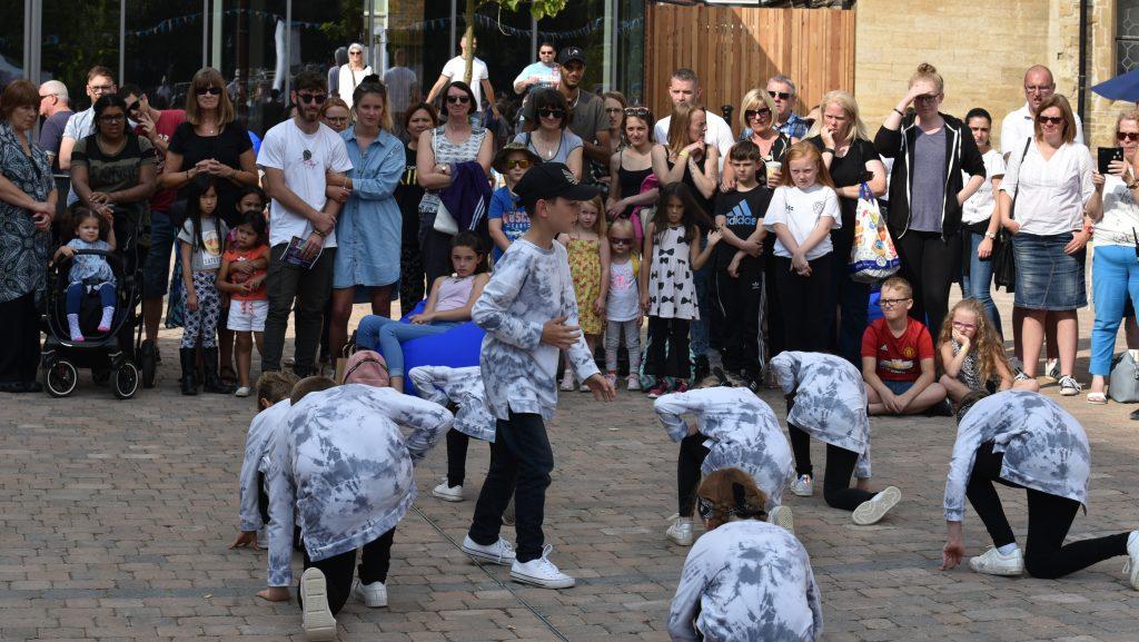 street-dancers-b6-1024x577.jpg