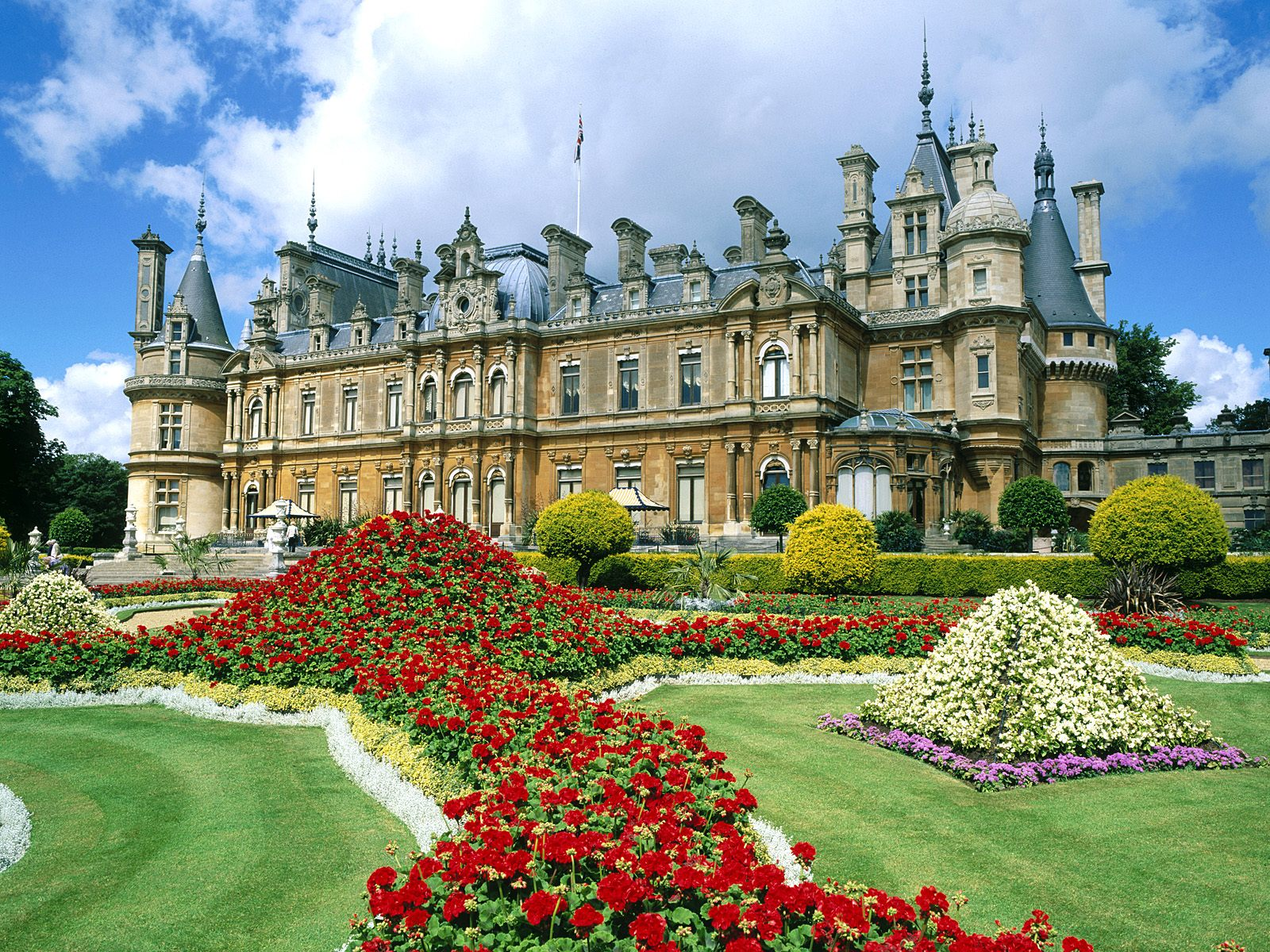 Waddesdon-Manor-Buckinghamshire-England.jpg