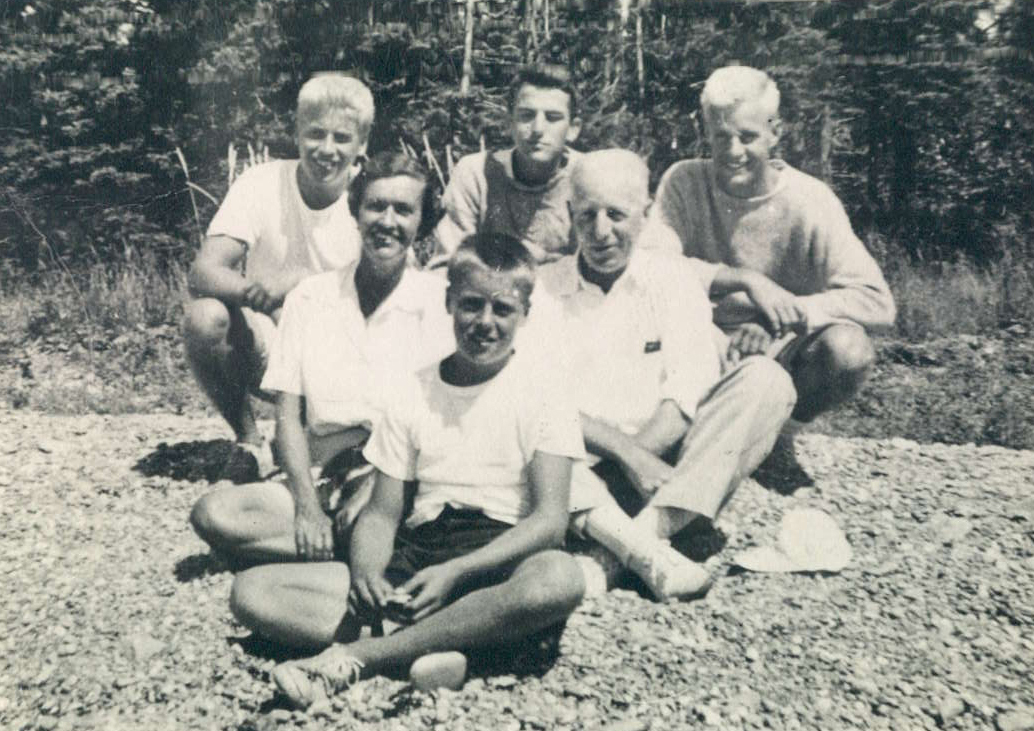 The Nichols family on a picnic. Gimmy (back right) with this three brothers, George, Milton, and Sam, and parents (middle)