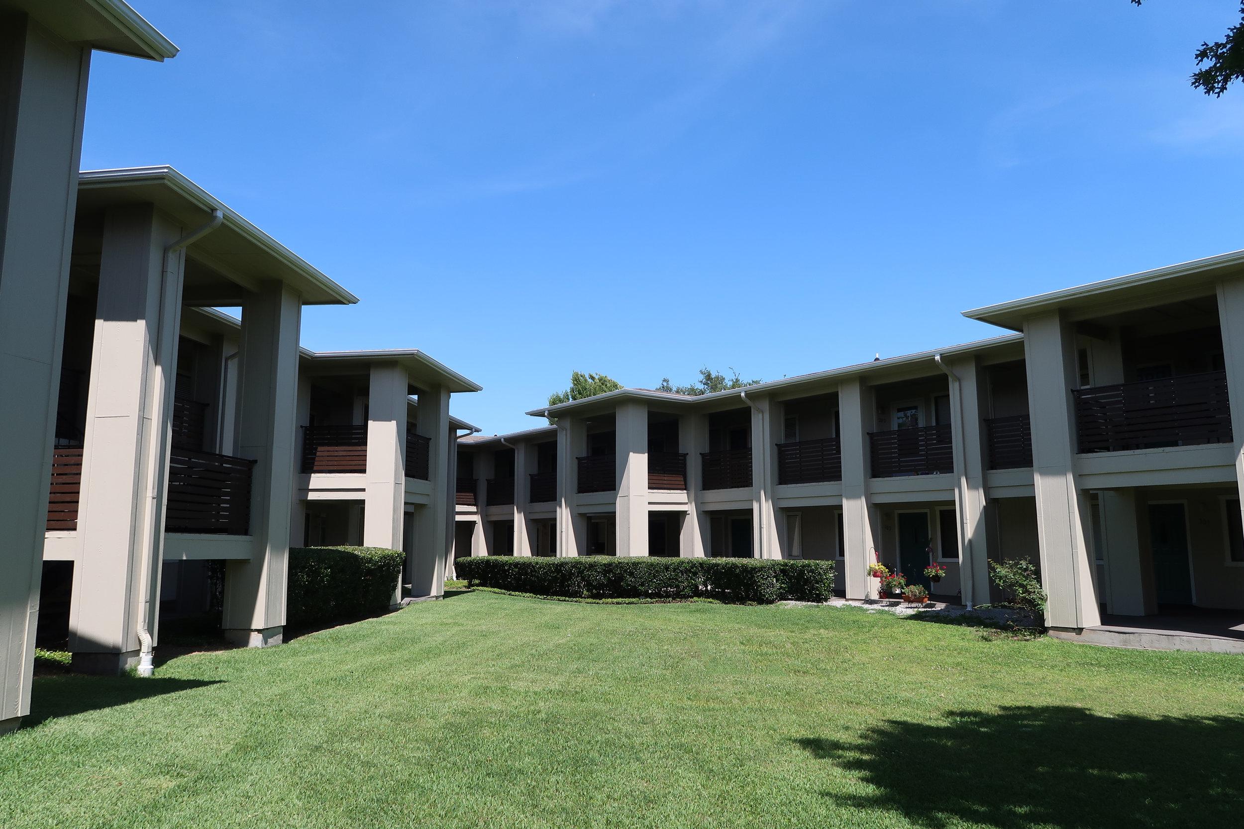 Montclair Estates Garland Texas Courtyard
