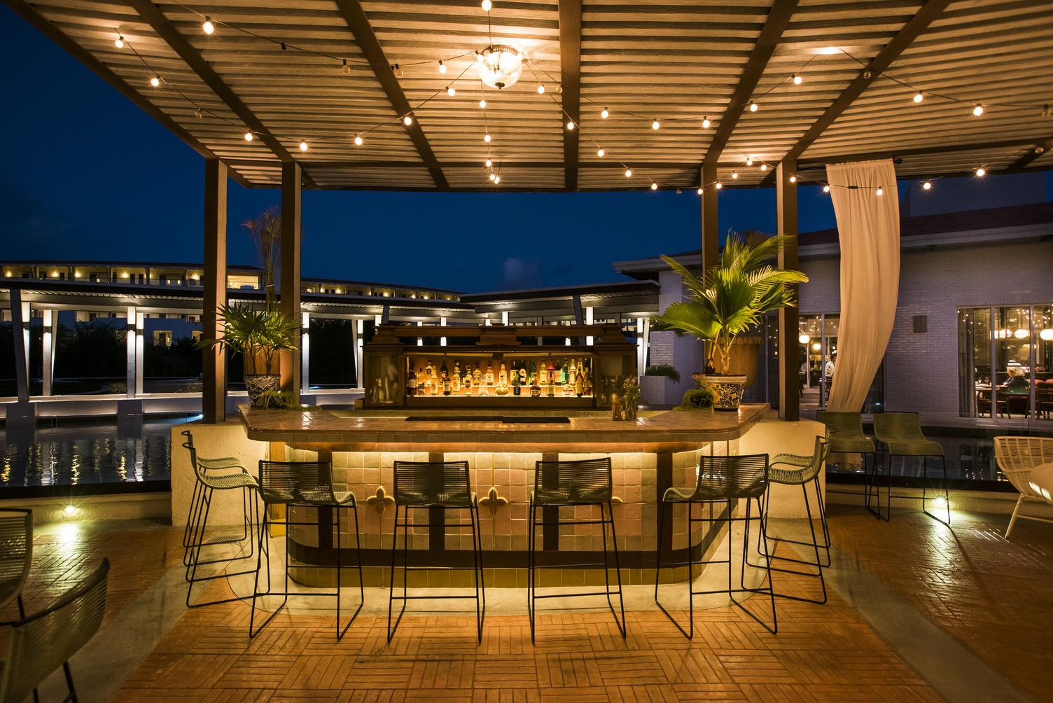 Palmera Lounge-outside bar.jpg