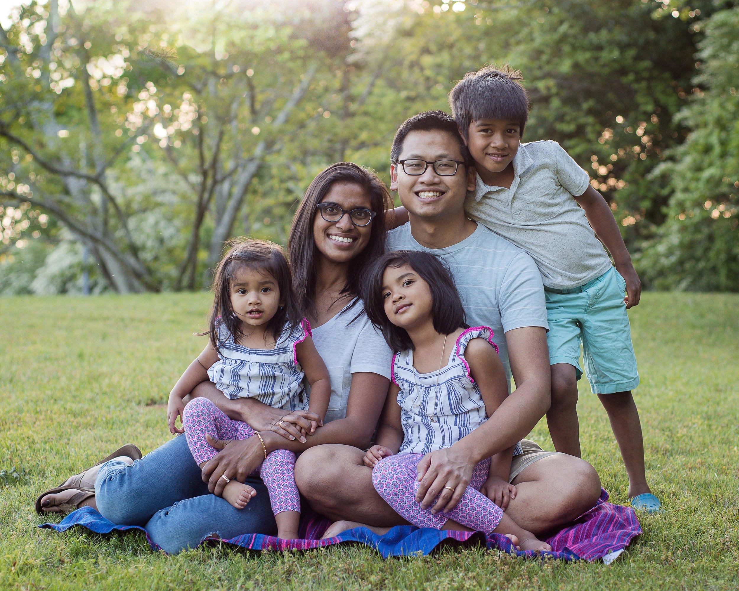 fun-family-session-photo-clothes