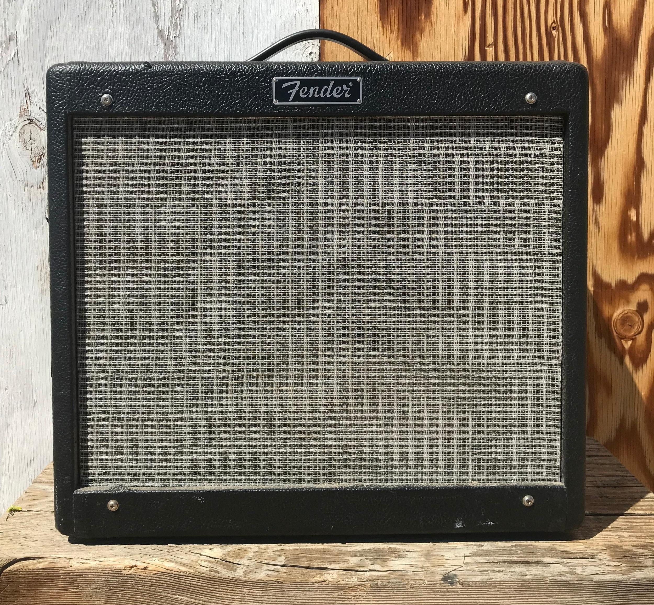 Fender Blues Jr Rebuild - When a Blues Jr dies, the blues can still live on.