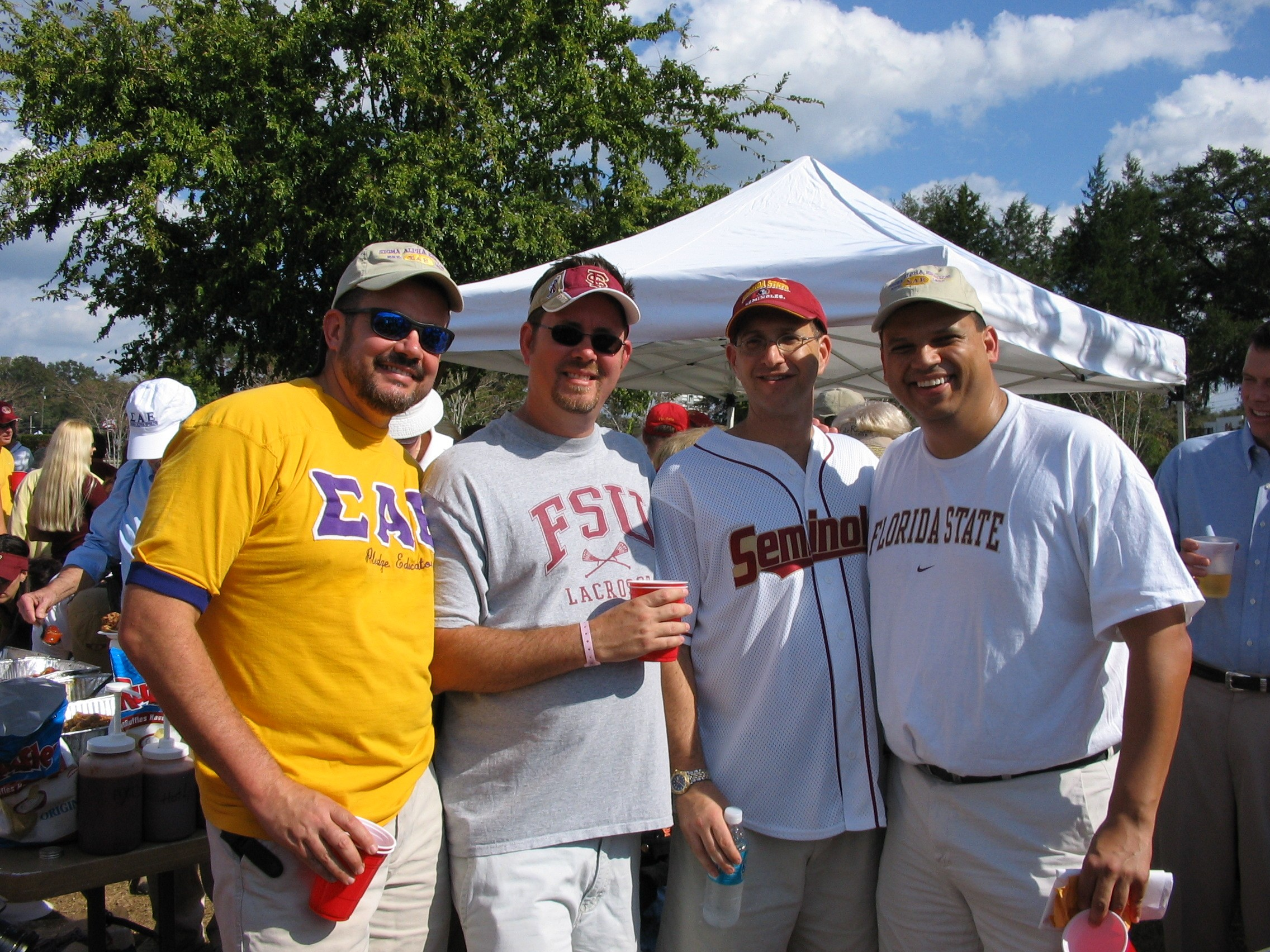 2005 alumni tailgate-Sabu,Griner, Fredericks, Grohmann.JPG