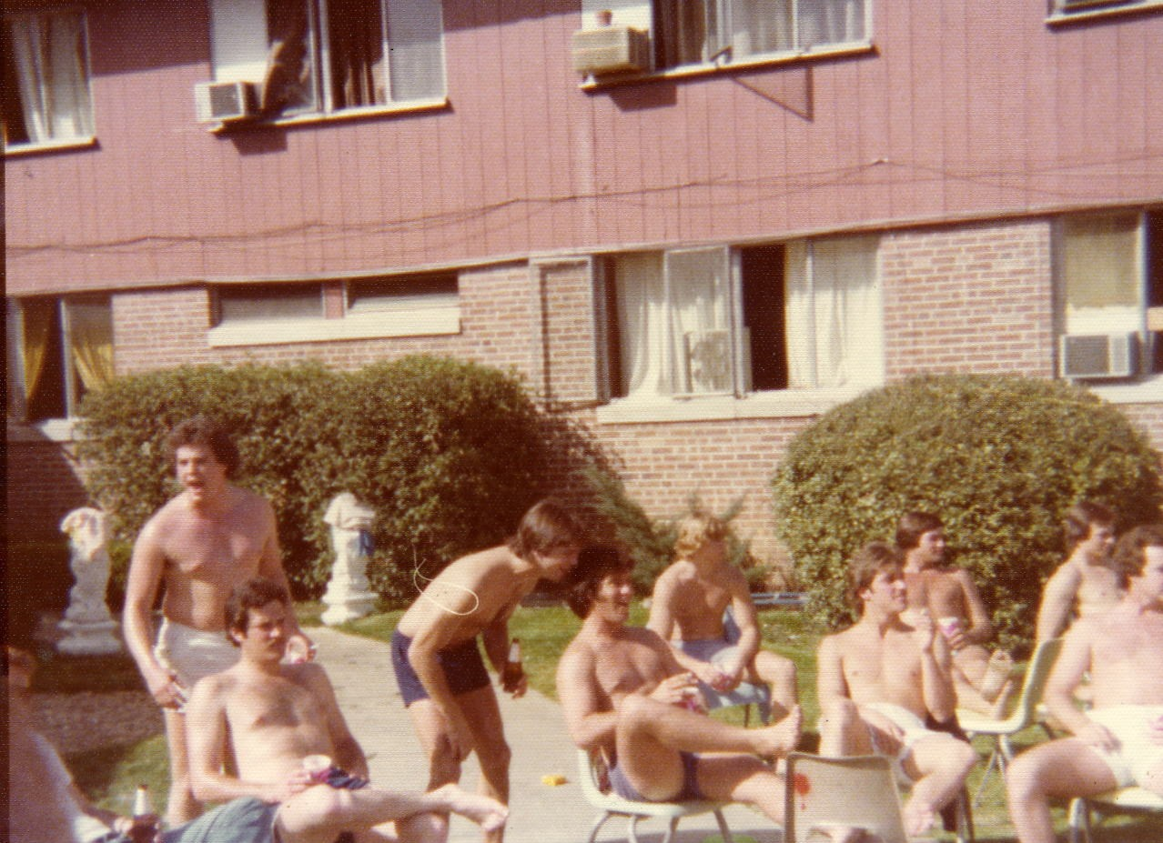 1973 SAE house.jpg