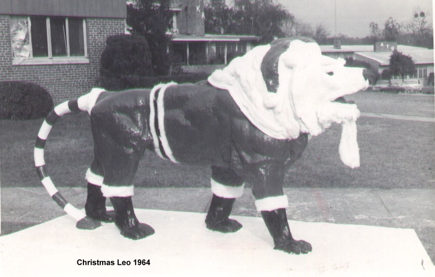 1964 Christmas Leo.jpg