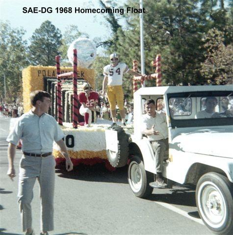 1968 Homecoming Float 01.jpg