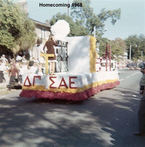 1968 Homecoming Float 02.jpg