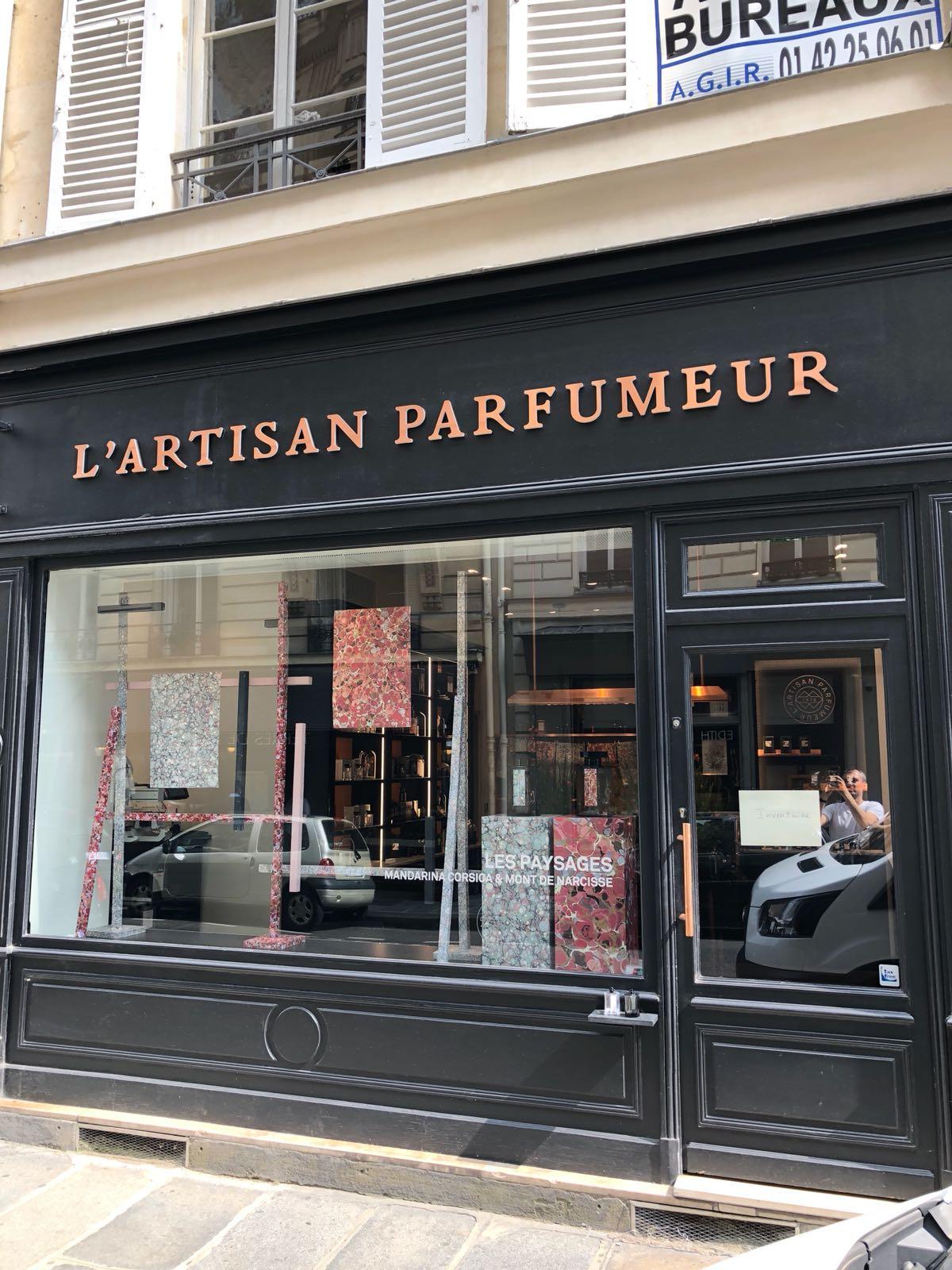 L'artisan parfumer window display at Vignon Store
