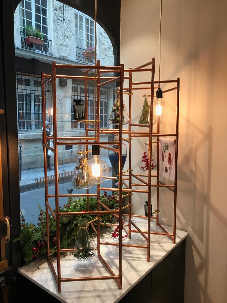 Window display for L'Artisan Perfumer Christmas