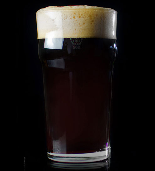 Porter - Similar to a stout but often with more of a focus on a vanilla/chocolate taste. Slightly lighter in colour but can be completely black as well. Often you will find they have a smokey taste which lends itself very well to BBQ. Market Brewing's Porter is a great example of this.