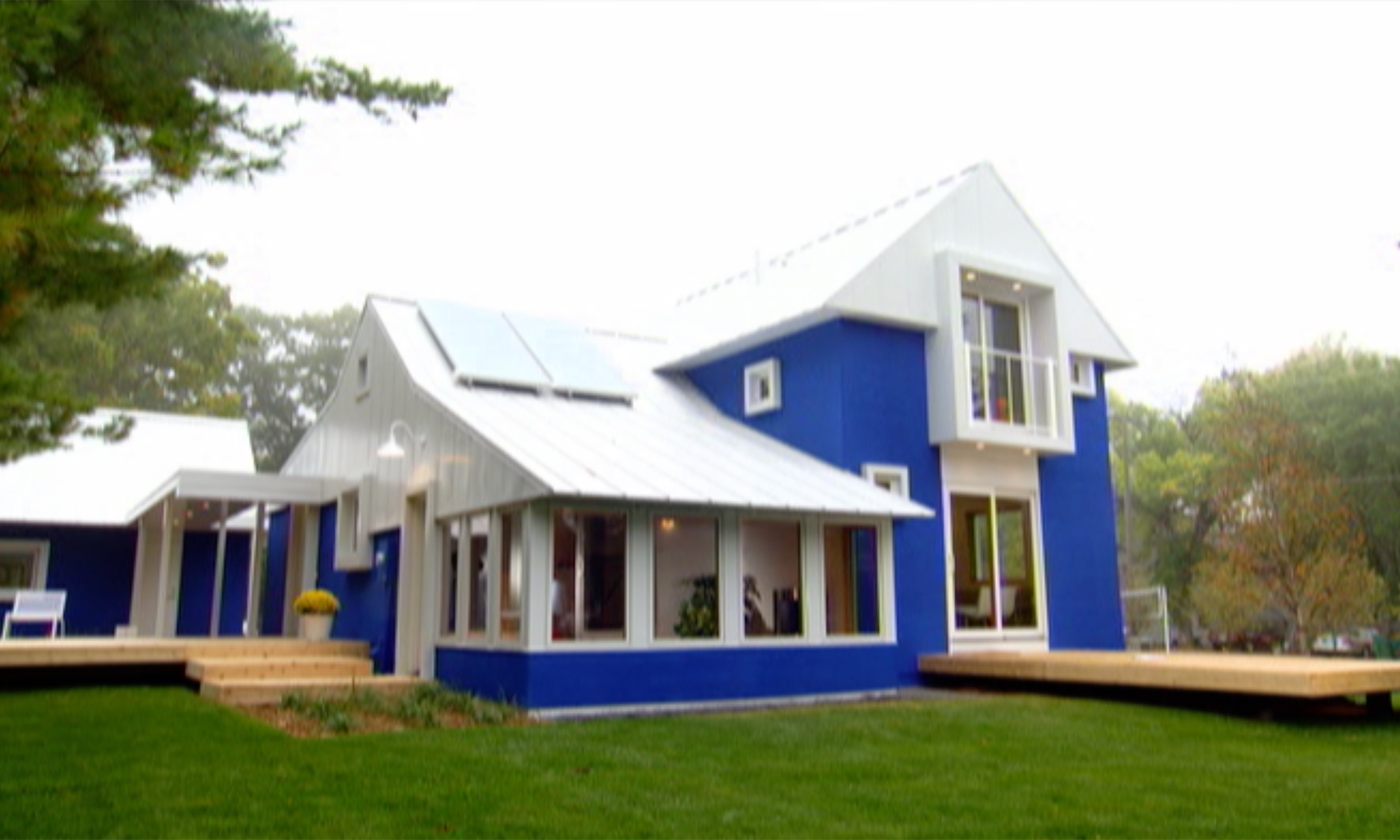 little blue house -