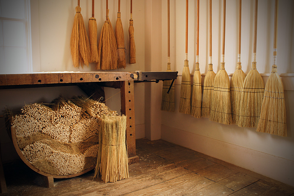Shaker-Broom-Shop-for-eCommerce-Website.jpg