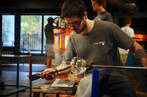 Glassblowing at Simon Pearce