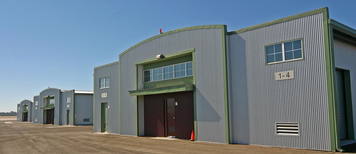 3 hangars 3.jpg