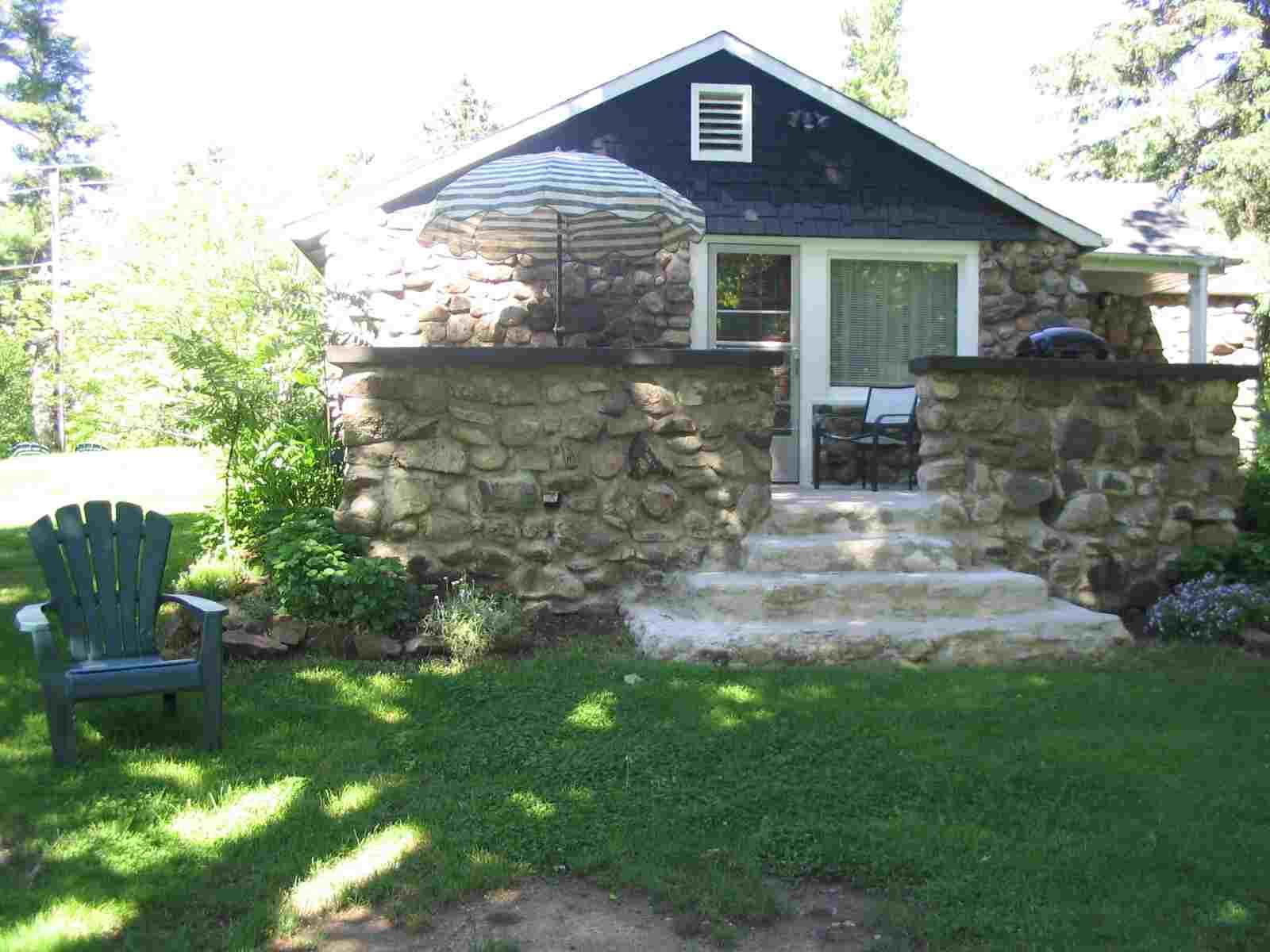 Hamilton Cottage