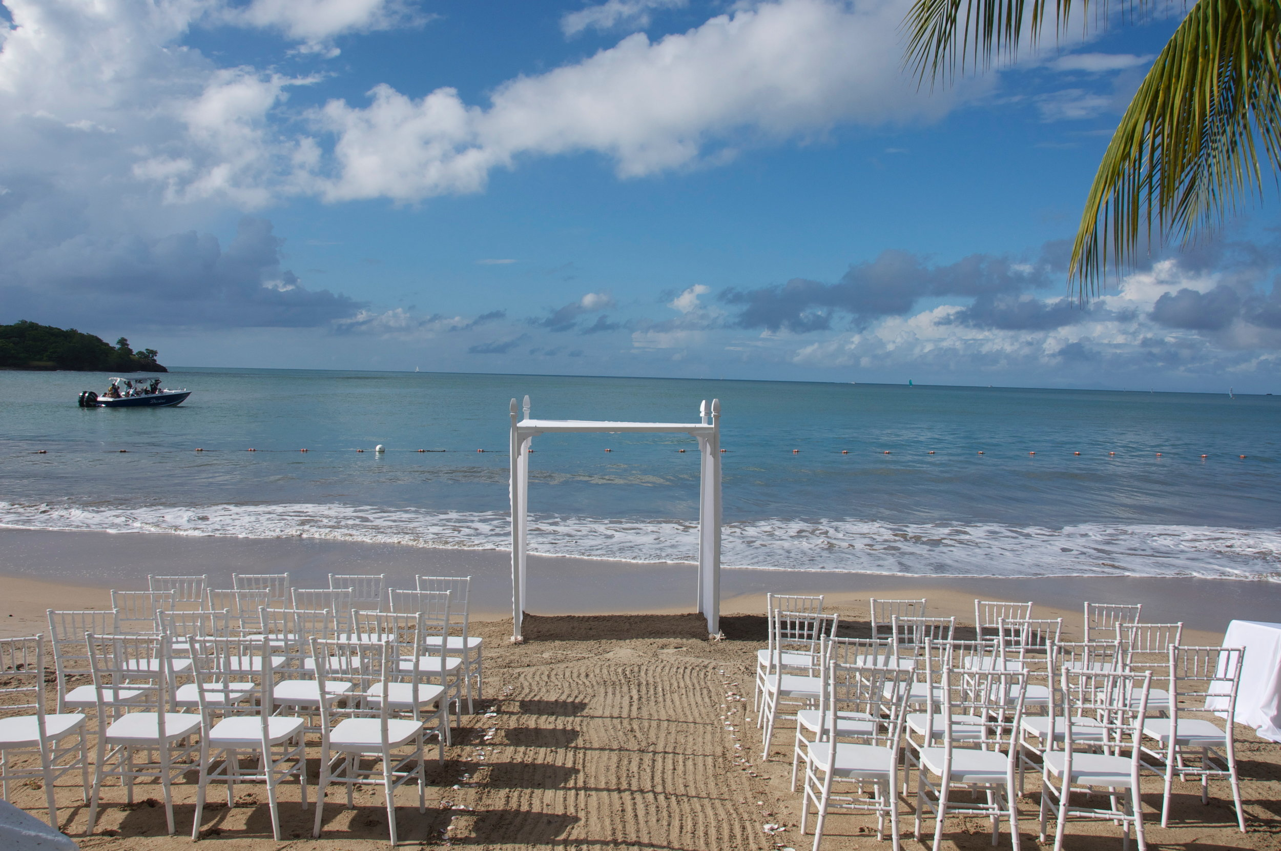 Sandals Halcyon Beach