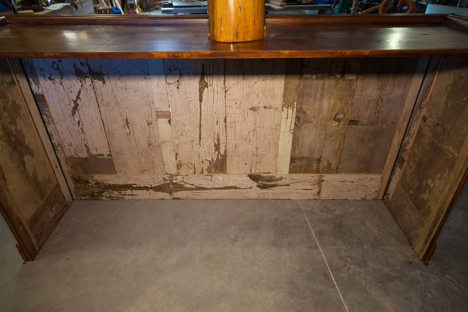 Here you see the undisturbed side of the bar depicted in the previous image. The wood for this bar was recycled from a barn in Pennsylvania.