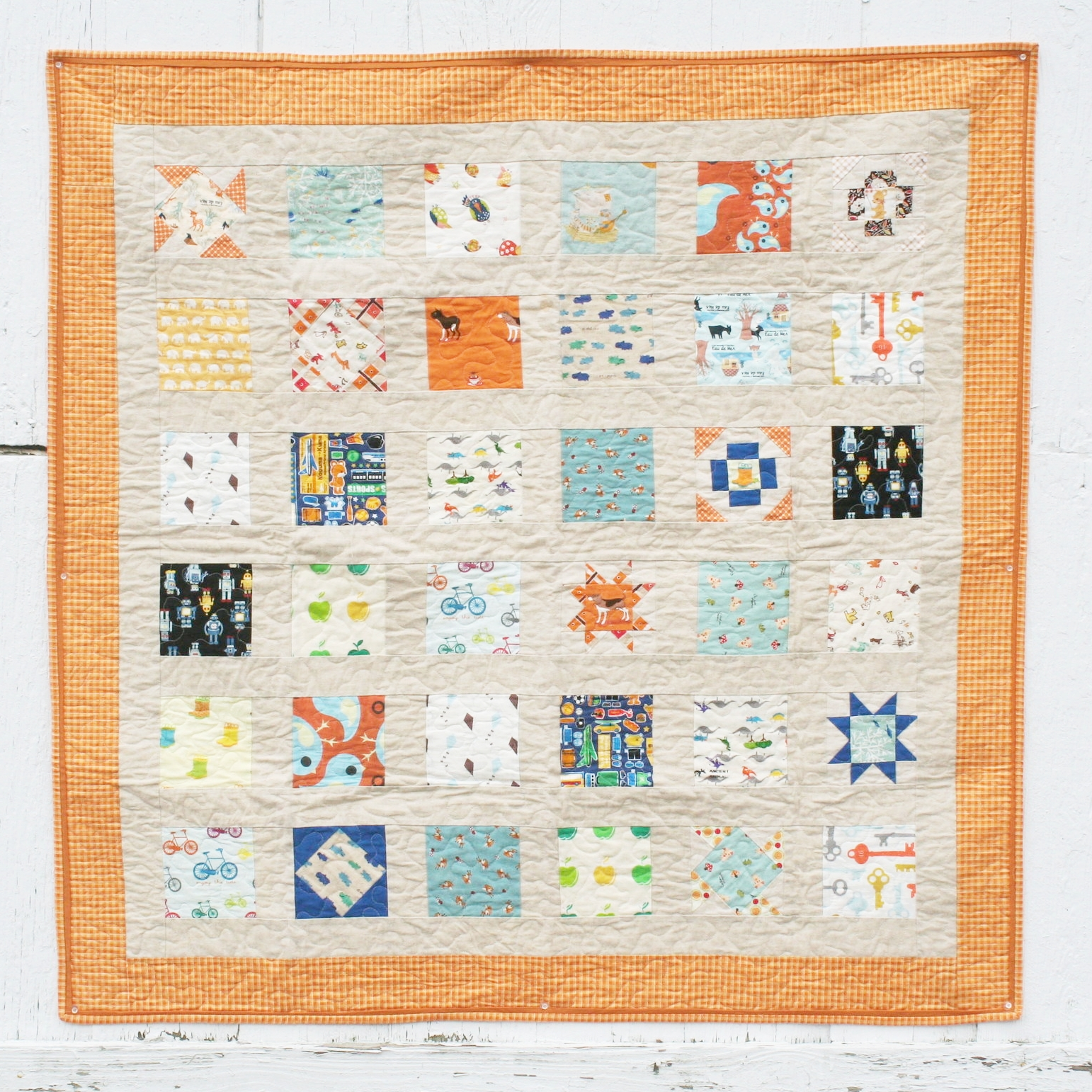 Charmed Prints - FREE BEGINNER: Use the 4 Quilt Block tutorials to spice up this easy quilt based on 5