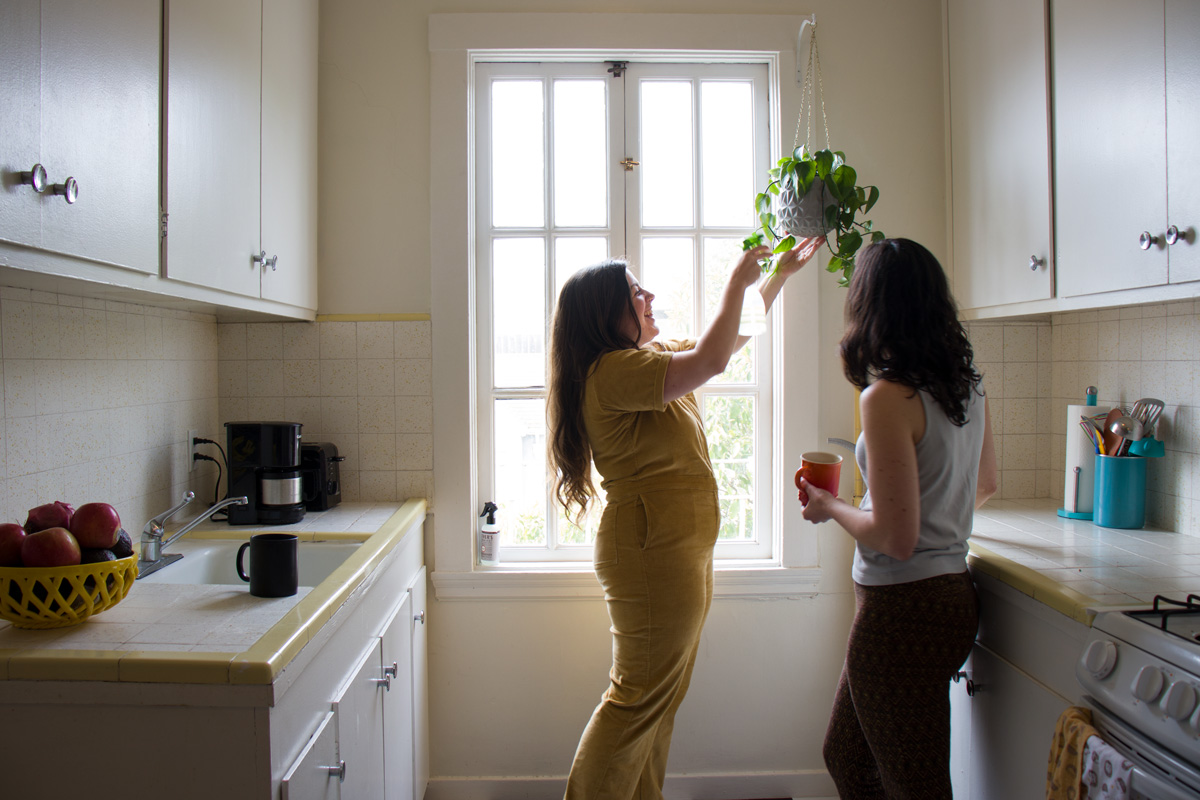 w-j-pothos-kitchen.jpg