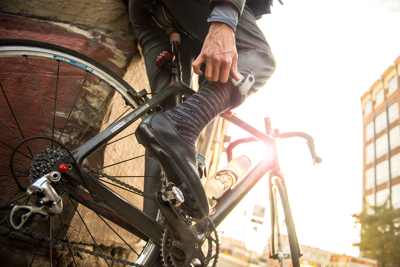 austin-trigg-seattle-bicycle-company-lifestyle-shoes-clip-in-apparel.jpg