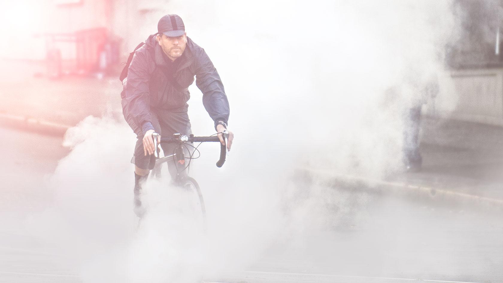 austin-trigg-seattle-bicycle-company-lifestyle-Smoke-Ride-street-downtown.jpg