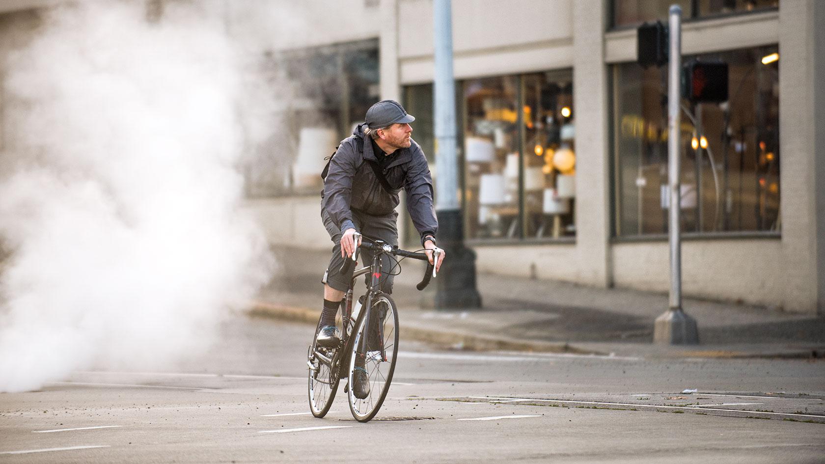 austin-trigg-seattle-bicycle-company-lifestyle-street-ride.jpg