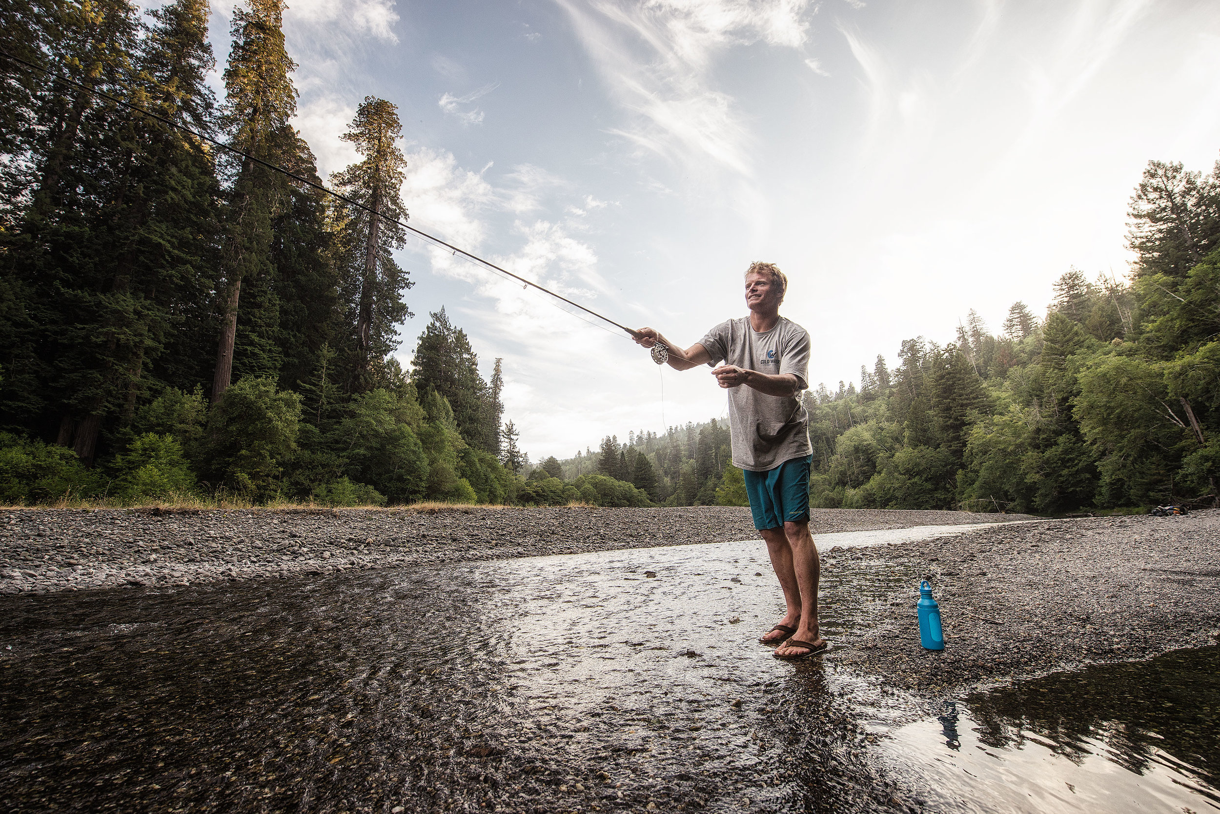 austin-trigg-redwood-water-bottle-fly-fishing-gravel-bar-river-tall-tree-grove-california-adventure.jpg