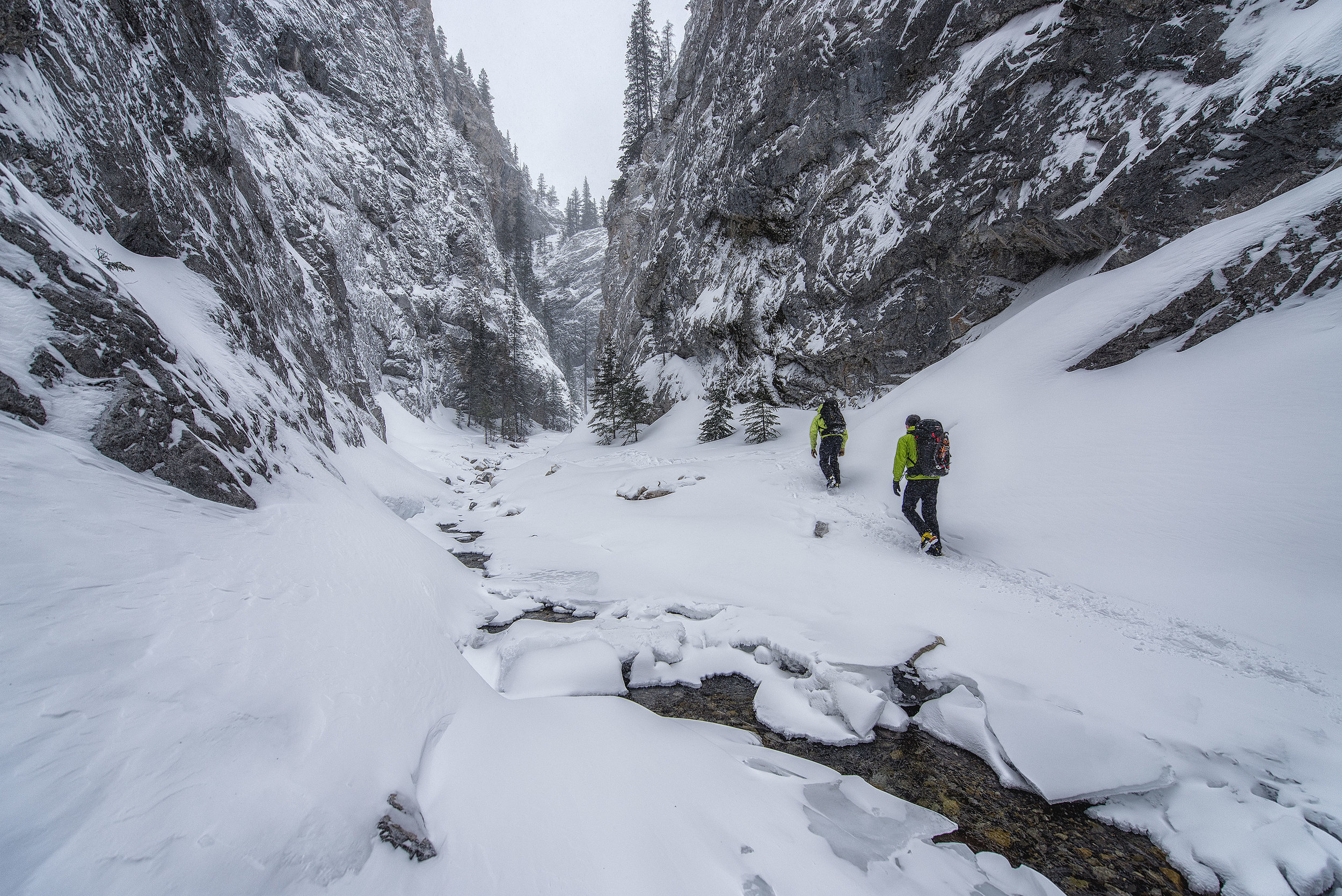 austin-trigg-ice-climbing-banff-hike_king_creek.jpg