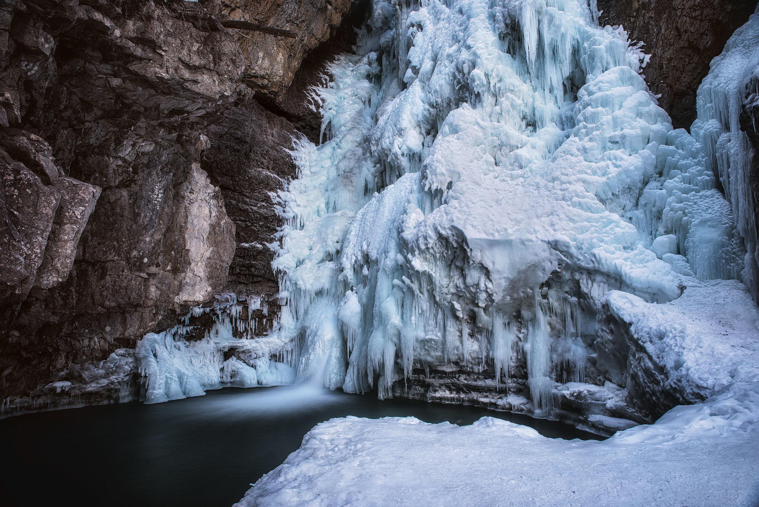 austin-trigg-ice-climbing-banff-Johnston-Falls.jpg